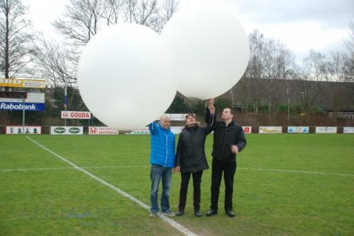 Asverstrooiing per heliumballon op het hoofdveld van SV Gouda