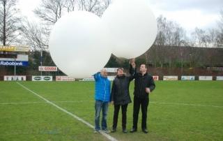 Ballonverstrooiing-voetbalveld-sv-gouda